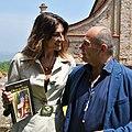 Elisa Isoardi con lo scrittore Giordano Berti.jpg