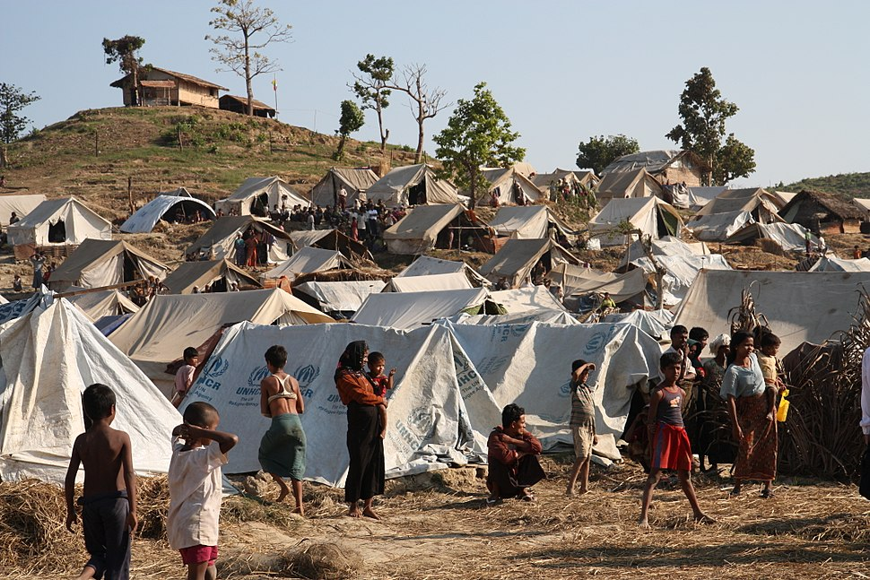 Emergency food, drinking water and shelter to help people displaced in Rakhine State, western Burma. (8288488088)