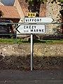 Essises-FR-02-panneaux routiers-01.jpg