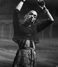 Fka twigs is pregnant gives birth in glass patron video watch now