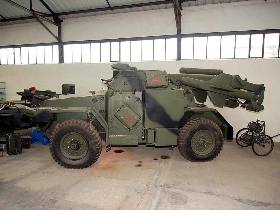 FV1620 Humber Hornet (FV1620, Truck 1 ton, air portable, launcher, Hornet in the Musée des Blindés, France, pic-2