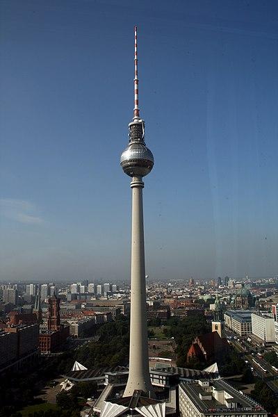 Súbor:Fernsehturm berlin.JPG