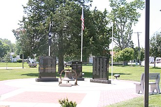 Forreston, Illinois - Image: Forreston, IL Veterans Memorial 01