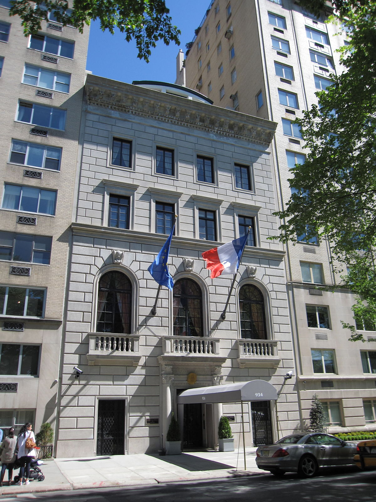 Consulate general of france in new york wikipedia for Hotels unis de france
