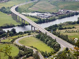 بيرث: Friarton Bridge