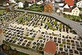 Friedhof von Kirchturm der Wehrkirche in Hannberg (Gemeinde Heßdorf) im Landkreis Erlangen-Höchstadt..JPG