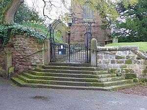 St Bartholomew's Church, Barrow - Image: Gates and overthrow, St Bartholomew's Church, Barrow