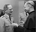 General Ulrich de Maizière und Militärbischof Dr. Kunst.jpg