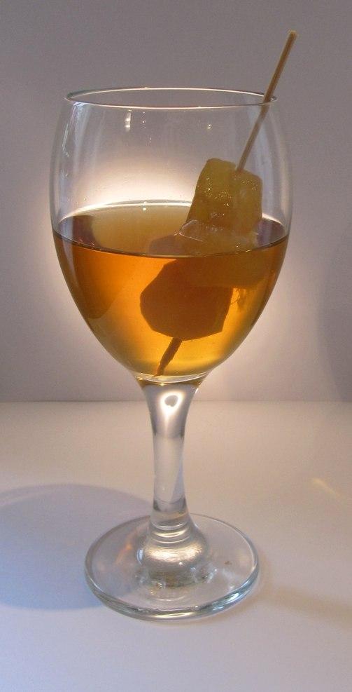 German Ginger wine with stem ginger decoration 4