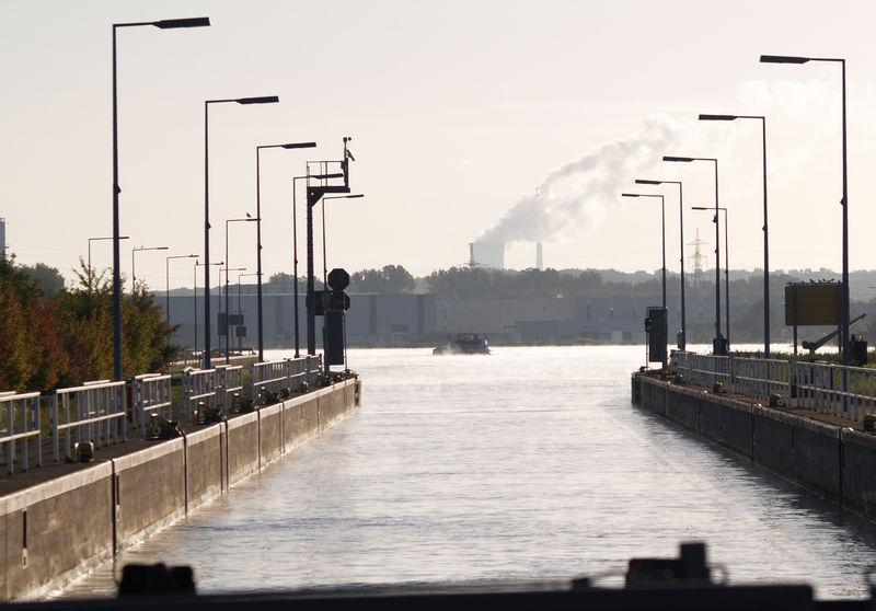 File:Germany Rhein-Herne-Kanal Schleuse Herne (3).jpg