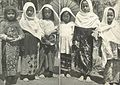 Girls in Padang going to prayer classes (pengajian), Wanita di Indonesia pp62-63 (Stoomvaart mij Nederland).jpg