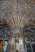 Gloucester Cathedral (Holy Trinity) (15014996140).jpg