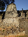 Groß Simbabwe, Konischer Turm.JPG