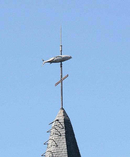 Fichier:Groix Bourg Eglise Thon.jpg