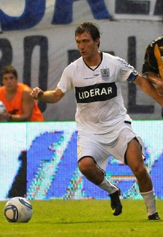 Guillermo Barros Schelotto - Barros Schelotto playing for Gimnasia y Esgrima in 2011