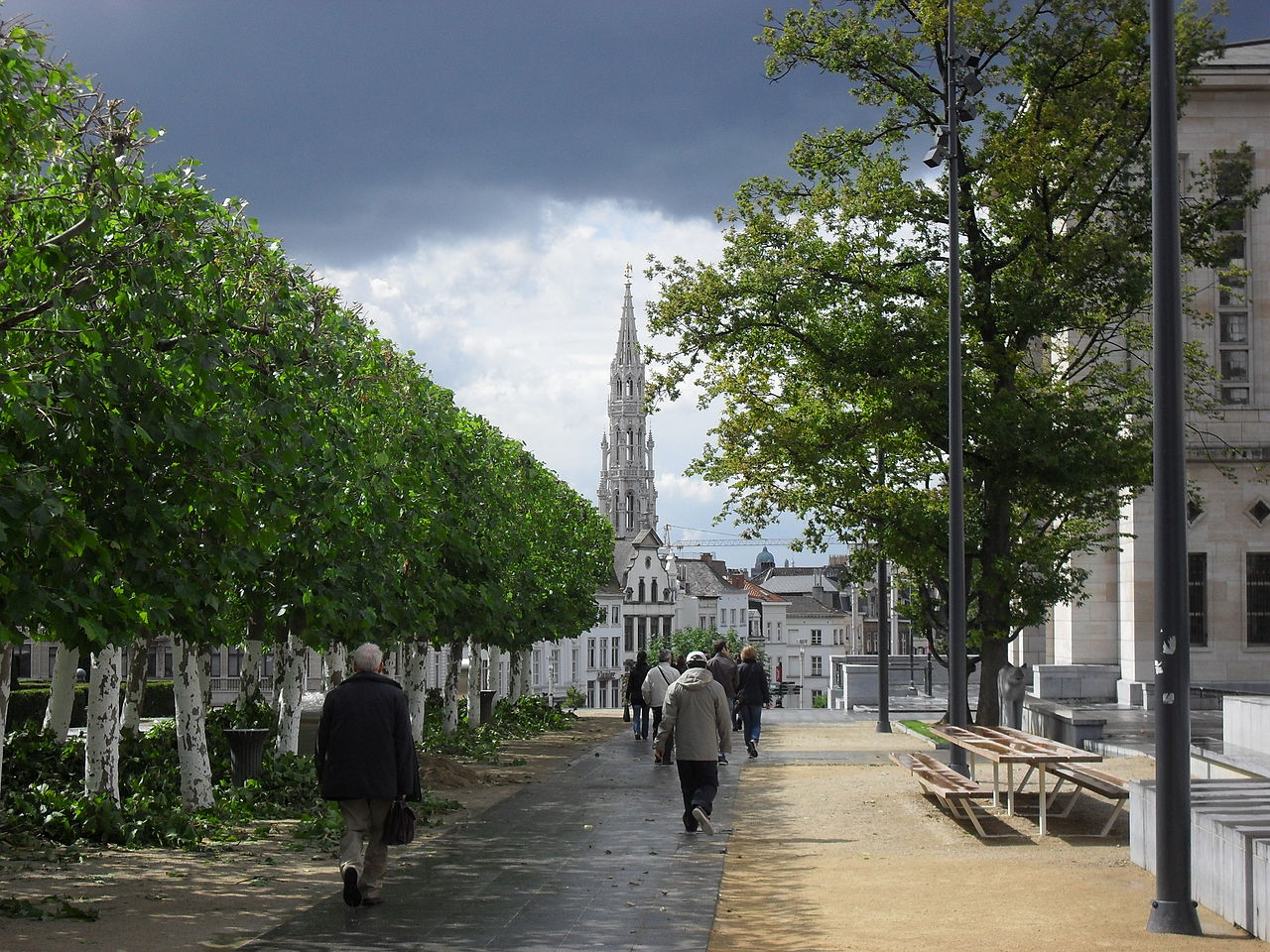 Original file 3 648 2 736 pixels file size mb for B b un jardin en ville brussels