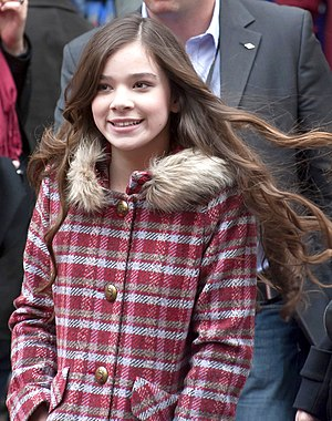 ... hailee steinfeld actress hailee steinfeld and actor douglas booth