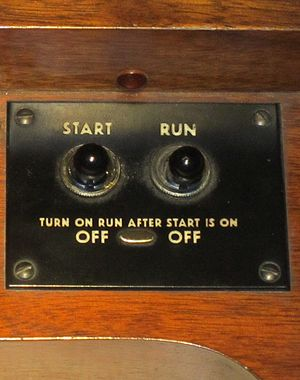 "Hammond organ - Console Hammond organs such as the B-3 require two switches; ""Start"" to drive the starter motor and ""Run"" to drive the main tonewheel generator."