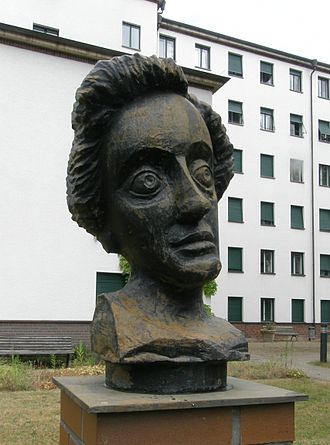 Cécile Vogt-Mugnier - Bronze bust of Cécile Vogt-Mugnier located in the biomedical Berlin-Buch Campus at the former Institute for Brain Research.