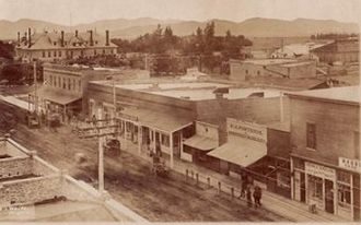 Hemet, California - Harvard Street c. 1907 Hemet Hotel in Background