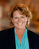 Heidi Heitkamp official portrait.jpg