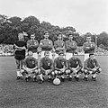 Het elftal van AZ 67. Staand vlnr Schouten, Visser, v. Veen, Molenaar, Racic, He, Bestanddeelnr 921-6032.jpg