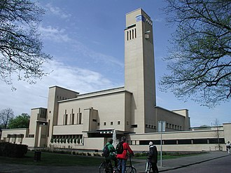 Willem Marinus Dudok - Image: Hilversum City Hall front