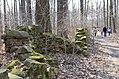Historische Trockensteinmauerreste bei Moritzburg DSC 8660.jpg
