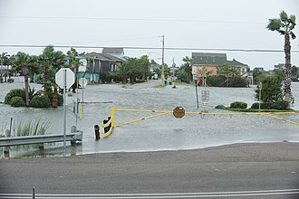 Hurricane Ike - Flood waters begin to rise in a neighbourhood of Bayou Vista, Texas.