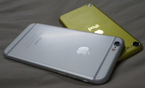 IPod Touch (5th generation) - iPod touch 5th gen next to iPhone 6