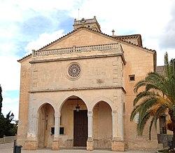 Iglesia de Nuestra Señora de Atocha, en Ariañy (Baleares, España).jpg