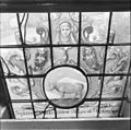 Interieur, gedeelte van gebrandschilderd raam - Bloemendaal - 20400103 - RCE.jpg
