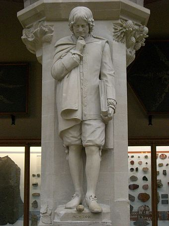 Newton statue on display at the Oxford University Museum of Natural History Isaac Newton statue.jpg