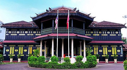 history of jahar palace This walking tour not only provides a glimpse into the heritage and history of perdana trail: a heritage & historical walk of but istana jahar (jahar palace).