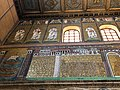 Italie, Ravenne, basilique Sant'Apollinare Nuovo, mosaïque de la ville de Classe (48087054058).jpg