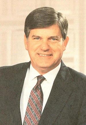 North Carolina gubernatorial election, 1984 - Image: James G. Martin (cropped)