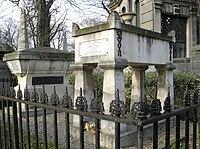 Jean de La Fontaine & Molière (Père Lachaise).jpg