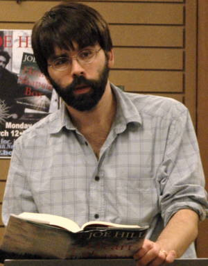 Joe Hill (writer) - Hill at a book store reading in March 2007
