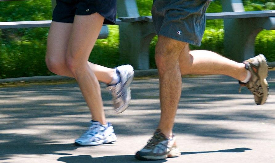 Jogging couple - legs.jpg