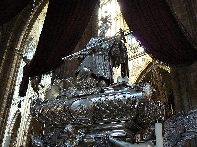 File:John Nepomuk Tomb.jpg
