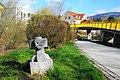 Köpfe aus Stein vom Bildhauer Alfred Schlosser, Wolfsberg, Kärnten, Österreich.jpg