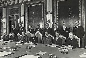 De Jong cabinet - The first meeting the De Jong cabinet on 7 April 1967.