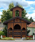 Kapelle_auf_dem_Hermannsplatz,_reconstruction,_Berndorf.jpg