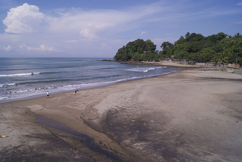 File:Karanghawu Beach.jpg
