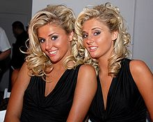 Description de l'image Karissa_and_Kristina_Shannon_2008.jpg.