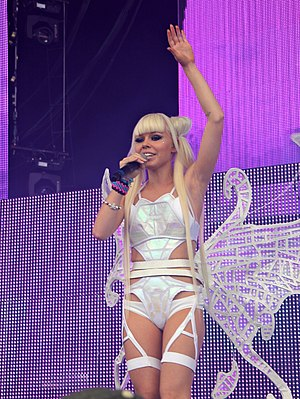 Kerli - Kerli performing in August 2012