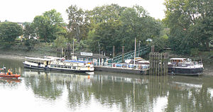 Kew Bridge - Kew Pier is a few metres downstream of Kew Bridge
