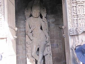 Chaturbhuj Temple (Khajuraho) - Image: Khajuraho India, Chaturbhuj Temple, Main Idol