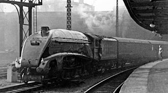 Flying Scotsman (train) - The Flying Scotsman hauled by 4488 Union of South Africa at King's Cross in 1948