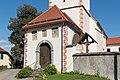 Klagenfurt Hoertendorf Pfarrkirche hl Jakobus major Vorhalle 21092015 7668.jpg